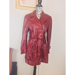 Vintage Red Leather Trench Coat 🧥